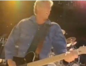 Roger Daltrey playing guitar in the Eminence Front video (Soundcheck before a Cocert in the US)