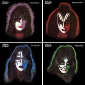 Portadas de los cuatro discos, en los que se aprecian los mauillajes de los personajes adoptados por cada músico