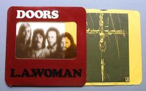 """Funda original del L.P. """"L.A. Woman"""", poco creativa, en contraste con la música que contenía y otros trabajos de la época"""