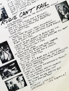 Letra de la cacnión impresa en la funda del disco LP en Vynil