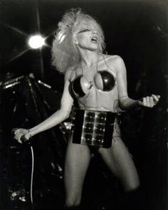LA imagen del grupo, en especial la de Dale y su sonido fueron ideales para ser de los consentidos de un naciente MTV